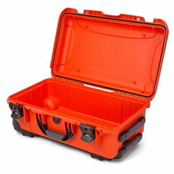 Nanuk Case naranja con ruedas